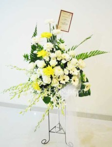 pesan standing flower duka cita di daerah kelapa gading