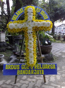 kirim bunga salib turut berduka cita di kabupaten bandung barat