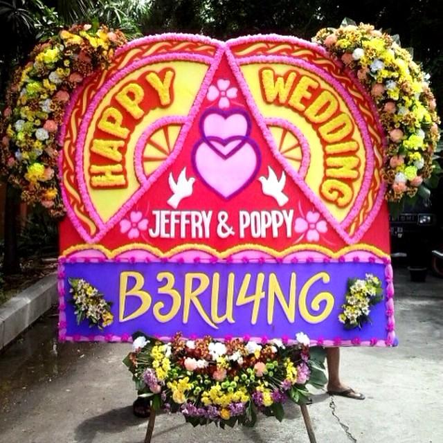 papan bunga happy wedding Bali