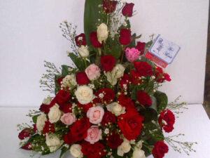 Kirim Bunga Meja Mawar Di karawang Jawa Barat