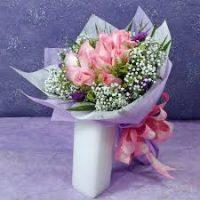Toko Bunga Online Handbuket Bunga Tulip Untuk Wisuda Di Kota Surabaya