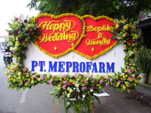 kirim bunga krans happy wedding di kabupaten majalengka