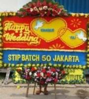 Pesan Cepat & Murah Karangan Bunga Papan Wedding di Kecamatan Jayakerta di Karawang (BPW-116)