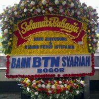 Toko Bunga Prestisa Online Jual Karangan Bunga Papan Wedding Cantik di Kecamatan Purwsari di Karawang (BPW-31)