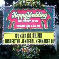 Jual Cepat & Murah Karangan Bunga Papan Wedding di Kecamatan Tempuran di Karawang (BPW-86)