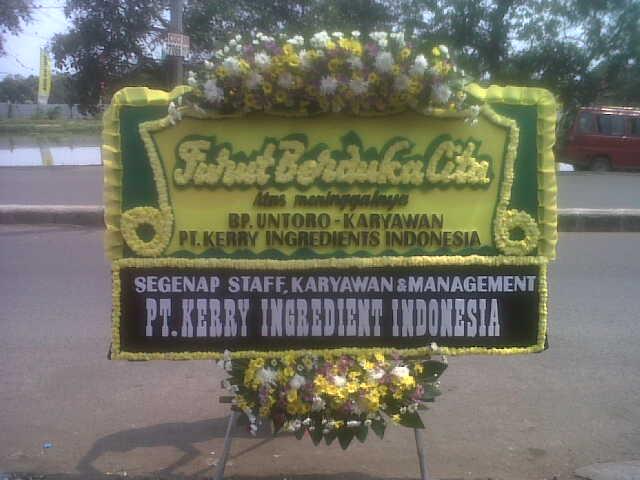 pesan standing flower duka cita di kabupaten kuningan