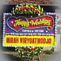 Jual Karangan Bunga Papan Happy Wedding di Karawang