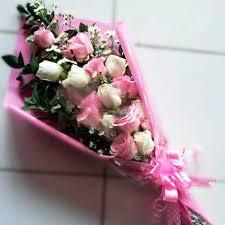 Kirim Bunga Handbouquet Valentine Untuk Kota Surabaya