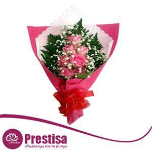 buket-tangan-mawar-pink-murah-di-bekasi