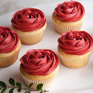 Toko Kue Classic-Red-Rose-Cupcakes