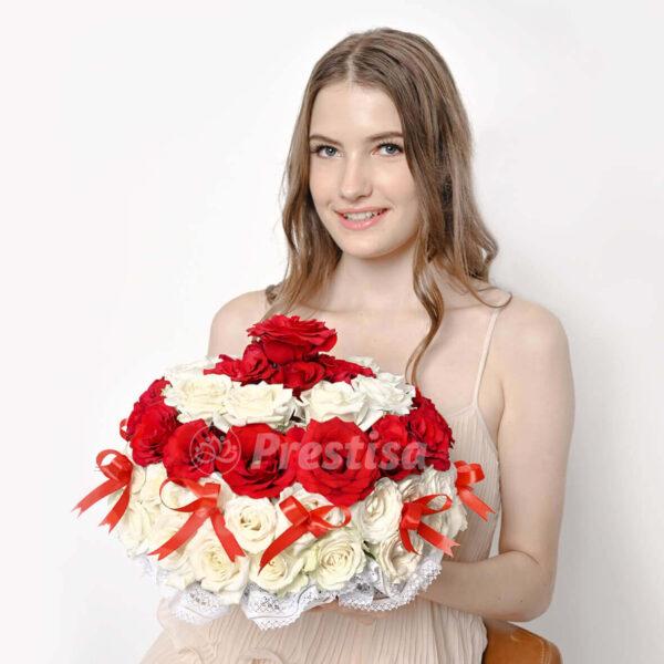 flower cake red