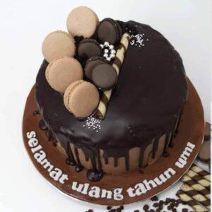 Choco Drip Cake Bandung