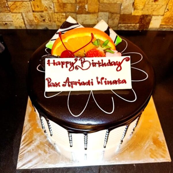 Choco Drip Cake Palembang