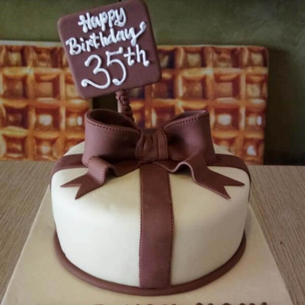 Gift Wrap Cake Bogor