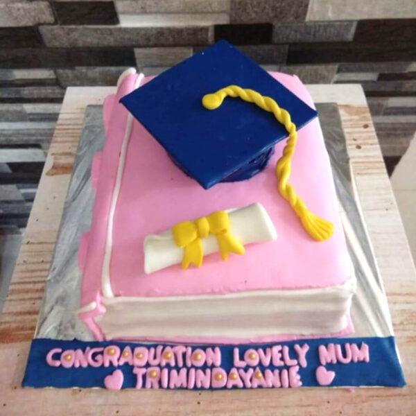 Graduation Cake Tangerang